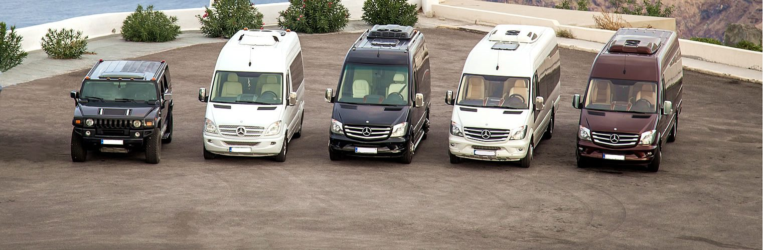 We transfer you in Santorini by bus or helicopter!